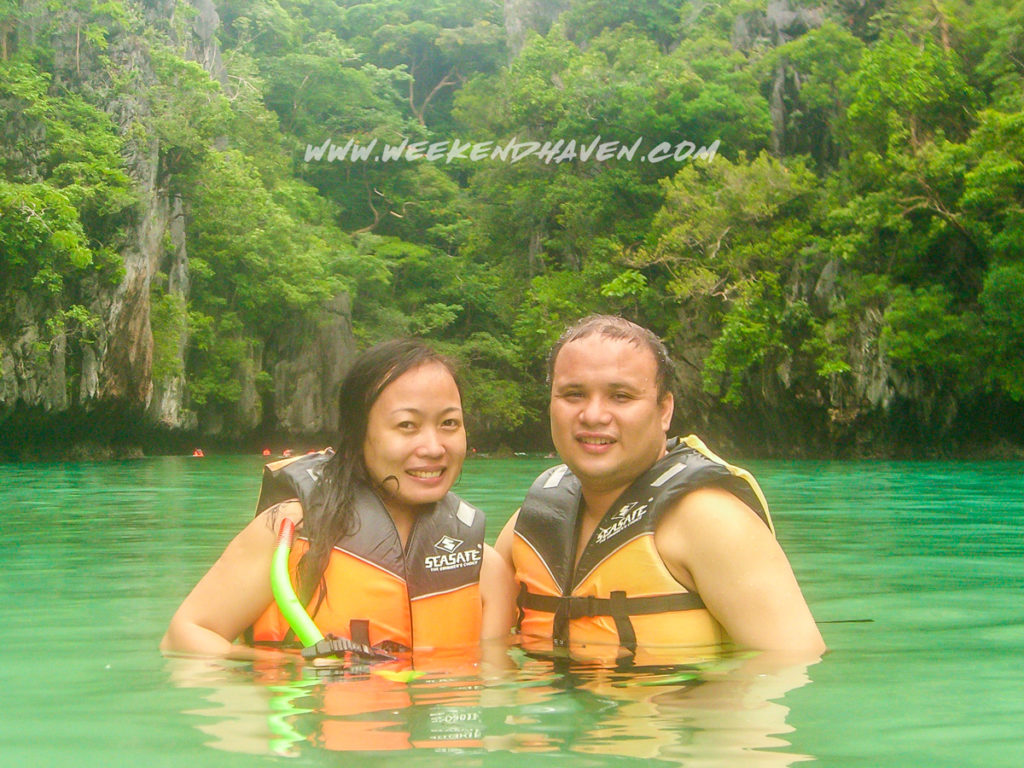 Couple Traveling in El Nido
