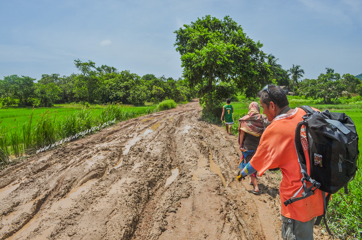 Muddy Road to Nacpan Beach
