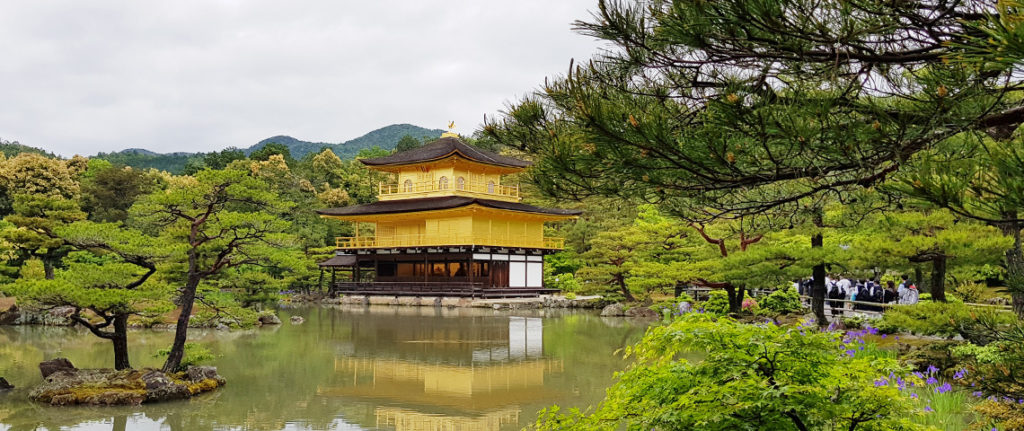 10 reasons to visit japan
